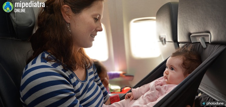 Viajar con Bebés es posible, pero se realista y hazlo con seguridad.