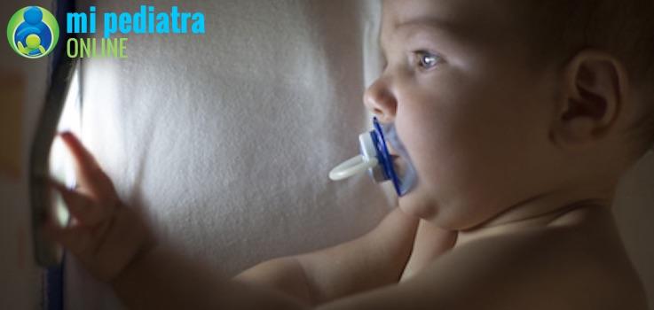 Dormir a Oscuras y Calidad de sueño en niños y bebés.